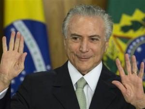 Presidente interino de Brasil asume; dice su prioridad será revivir la economía