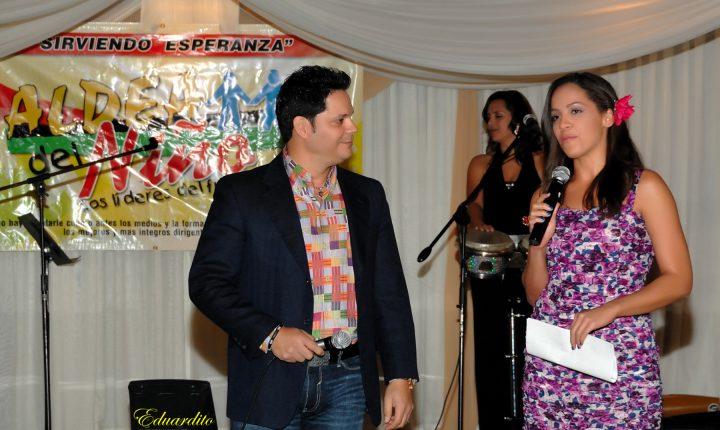 Rey Ruiz y Stephanie Severino. Sirviendo Esperanza 2014